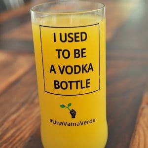 Una Vaina Verde - Vaso de Botella de Vodka 3